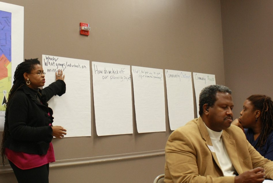 Andrea Roberts leading a community discussion