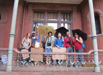 Field Methods students visit the Littlefield Home