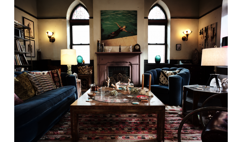 Cluttered living room from the loft apartment in Russian Doll